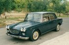 """La macchina appartiene alla nostra famiglia dal 1970. E' una Lancia del 1963 modello Flavia. é la prima auto italiana ad avere la trazione anteriore ed i freni a disco sulle 4 ruote. E' stata """"la macchina degli sposi"""" in 3 occasione nella nostra famiglia"""
