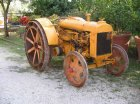 Trattore Fordson N costruito a Cork nel 1930, omologato ASI,e' stato il primo trattore della nostra famiglianon e' stato restaurato volutamente, anche se il colore non e' originale, suscita in noi moltiricordi d'infansia