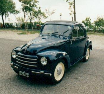 Fiat Topolino Modello 500 C del 1951. La macchina appartiene alla nostra famiglia dal 1962. é stata restaurata riportandola alle condizioni originali. Ha i documenti ed è omologata Asi.